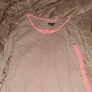 AE 3/4 inch Shirt Sz Small